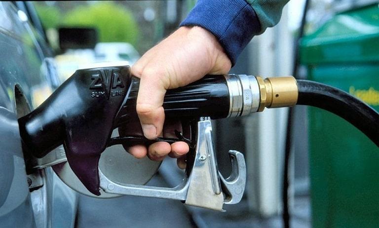 Что делать если на заправке залили некачественный бензин
