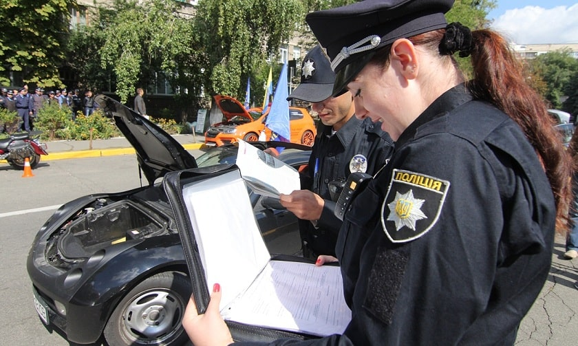 Подпись водителя в постановлении полиции не является доказательством вины