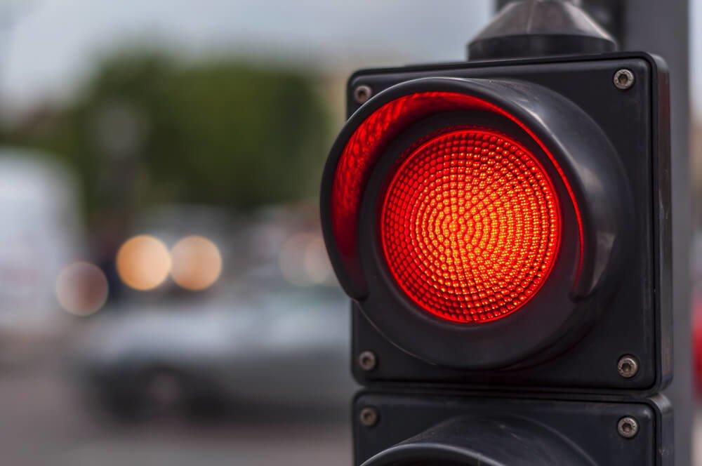 Как обжаловать проезд на красный свет и избежать штрафа в Украине