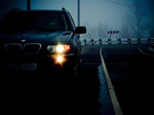 Кто возмещает ущерб при ДТП на служебном авто