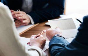 Адвокат по стягненню боргів, шкоди, виплат — консультація та юридичні послуги